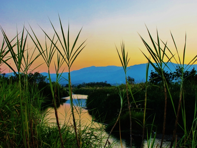 Sunset at the Ping River, south of Chiang Dao (photo taken in February 2015).